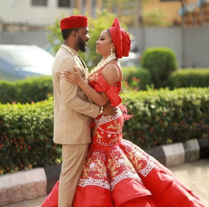 5be49fc971667 - The bride, her bridesgroom and her squad: More pictures from Linda Ejiofor and Ibrahim Suleiman's conventional marriage ceremony
