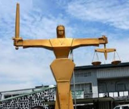 4 tenants arraignedin Lagos forexhuming landlords corpse andselling his property