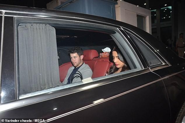 Newlyweds Priyanka Chopra and Nick Jonas arrive in Mumbai after their wedding reception in New Delhi(Photos)