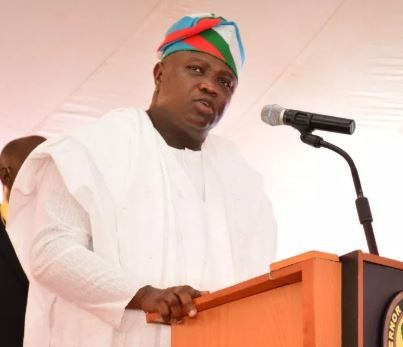 Lagos State presents N475 million cheque to 189 families of deceased staff