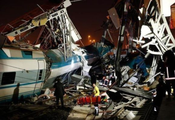High speed train collision kill 4 and injures 43 people in Turkey