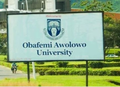 Obafemi Awolowo University students cry out as exams begin despite the on-going ASUU strike