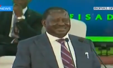 Video: Former Kenyan prime Minister, Ralia Odinga, uses Nigeria to crack corruption joke at a summit