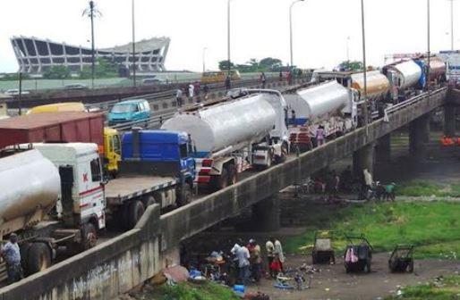 Barely 24 hours after President Buhari's visit to Lagos, petrol tankers return to Ekobridge