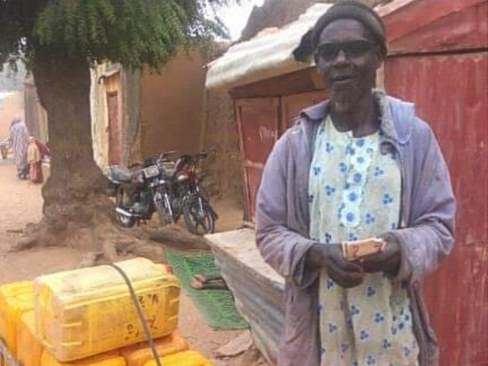 Visually-impaired man makes a living hawking water in Katsina State