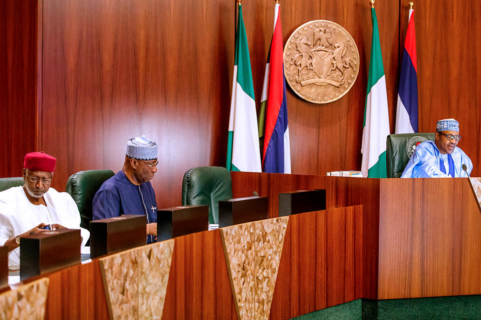 President Buhari givesministers one week ultimatum to submitcomprehensive reports on all their projects