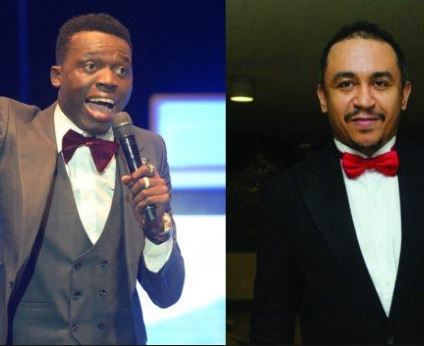 Daddy Freeze mocks Akpororo after a video of his slashing ticket price for his show in Okokomaiko surfaces online