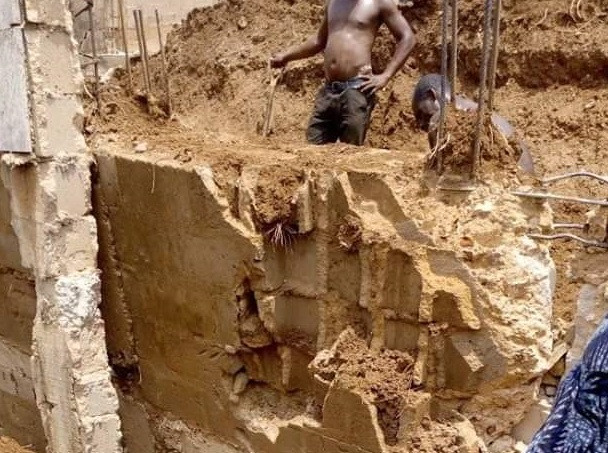 oung man killed in Enugu after the foundation he was digging at a construction site collapsed on him