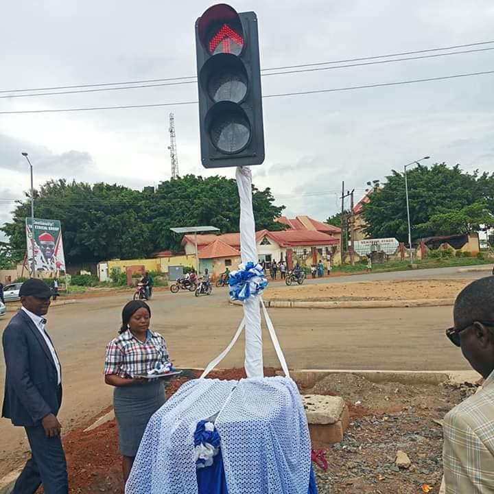 Lol. See photos from the commissioning of a street light in Cross Rivers state