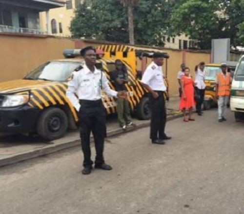 Lagosians beg Sanwo-Olu to impose a ban on Vehicle InspectionOfficers (VIO) on Lagos roads