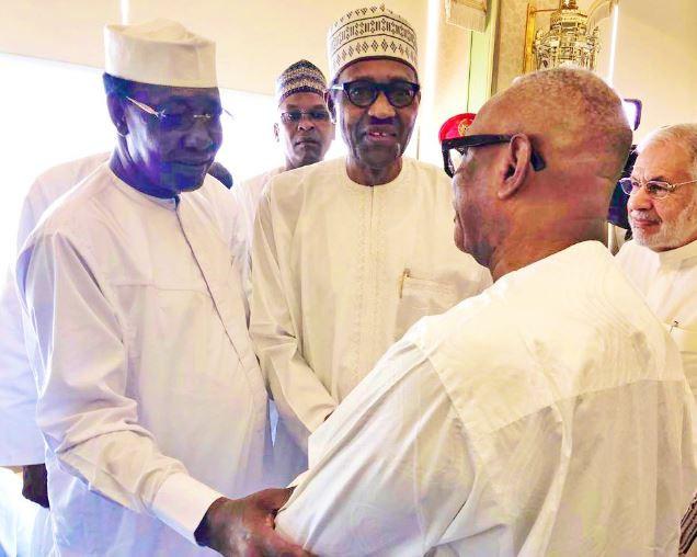 President Buhari observesJumaat prayers at the Grand Mosque ahead of the OIC summit in Saudi Arabia