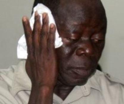 Thugs beat up Oshiomhole, 14 others in Edo State