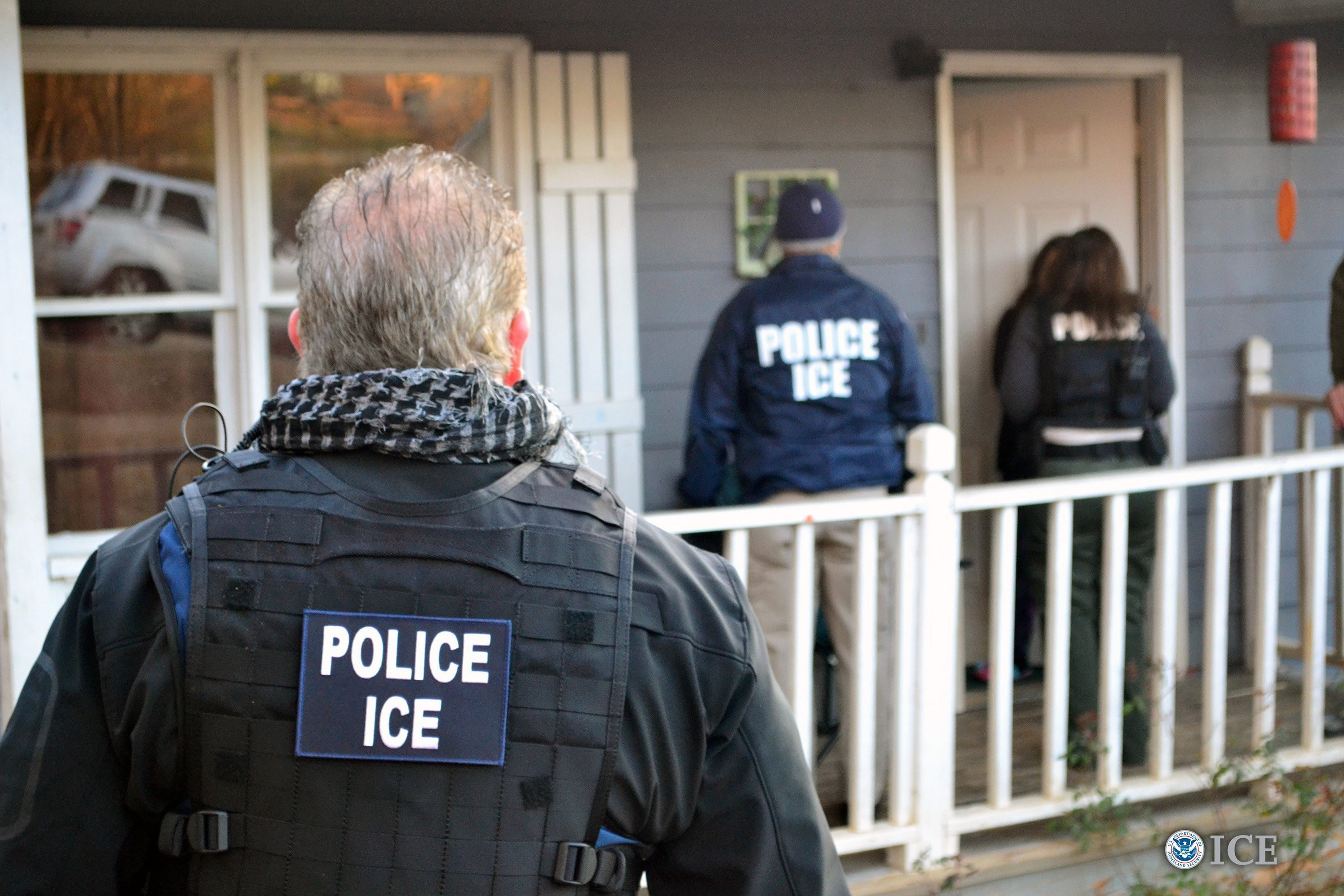 Update: US Immigration to begin its nationwide raids this Sunday to arrest and deport thousands of undocumented immigrants
