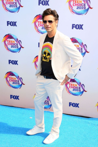 Red carpet moment from 2019 Teen Choice Awards lindaikejisblog 6