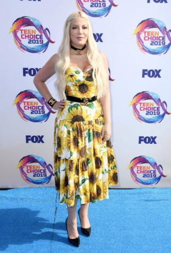 Red carpet moment from 2019 Teen Choice Awards lindaikejisblog 8