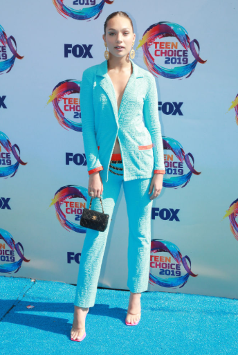 Red carpet moment from 2019 Teen Choice Awards lindaikejisblog 10