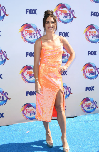 Red carpet moment from 2019 Teen Choice Awards lindaikejisblog 11