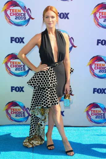 Red carpet moment from 2019 Teen Choice Awards lindaikejisblog 18