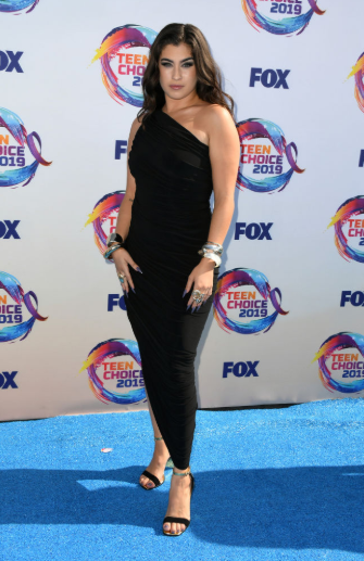 Red carpet moment from 2019 Teen Choice Awards lindaikejisblog 20