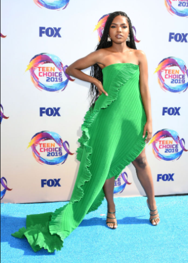 Red carpet moment from 2019 Teen Choice Awards lindaikejisblog 26
