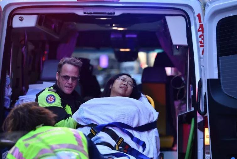 "Man goes on knife rampage as he shouts ""Allahu Akbar"" in Sydney (photos)"