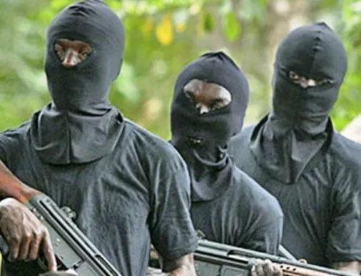 Gunmen kill 5, burn houses in Kaduna in fresh attack