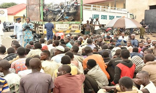 Lagos Government intercepts truck loaded with 123 persons and 48 motorcycles from Jigawa lindaikejisblog