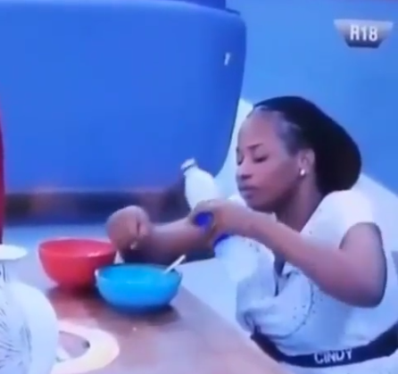 #BBNaija2019: Fans divided in opinion as Cindy is seen washing her hands in her eating bowl. 1