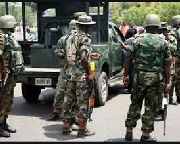 Nigerian soldier reportedly stabs man to death after a misunderstanding at the market in Niger State