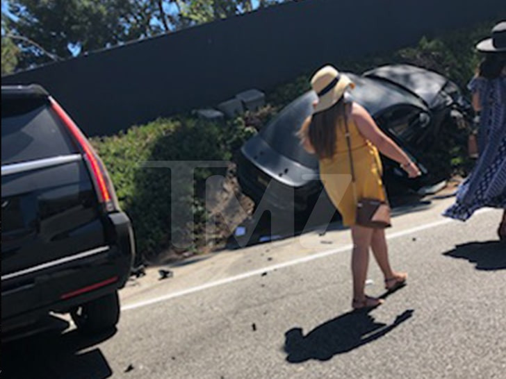 Robin Thicke and Fiancee, April Love Geary involved in car accident lindaikejisblog 1