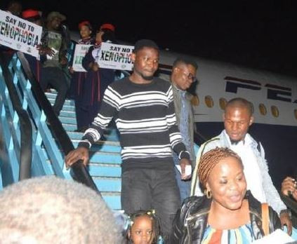 Update:South Africa grants landing permit to airline evacuating Nigerians