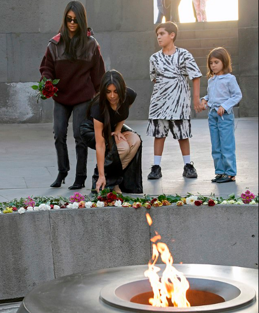 Kim and Kourtney Kardashian lay flowers at the Armenian Genocide Memorial Complex (photos)
