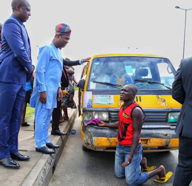 Lagos deputy governor, FemiHamzat arrests several drivers for 'driving against traffic (Photos)