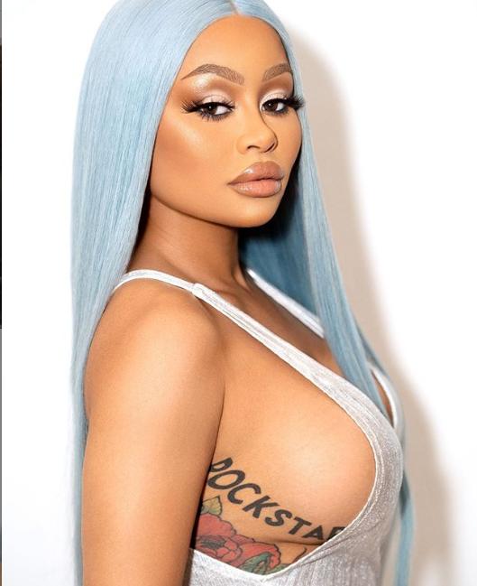 Blac Chyna flaunts major sideboob in new sexy photos