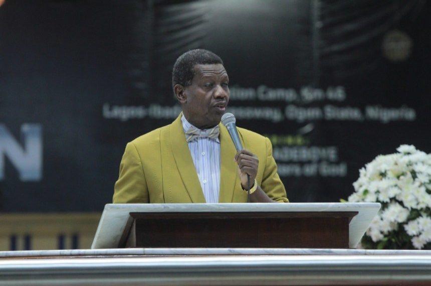 Nigerians tackle Pastor Adeboye over his prayer lindaikejisblog