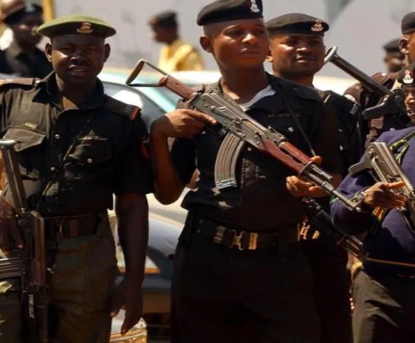 Police officer allegedly killsman at a wedding ceremony attended by the state governor, Udom Emmanuel