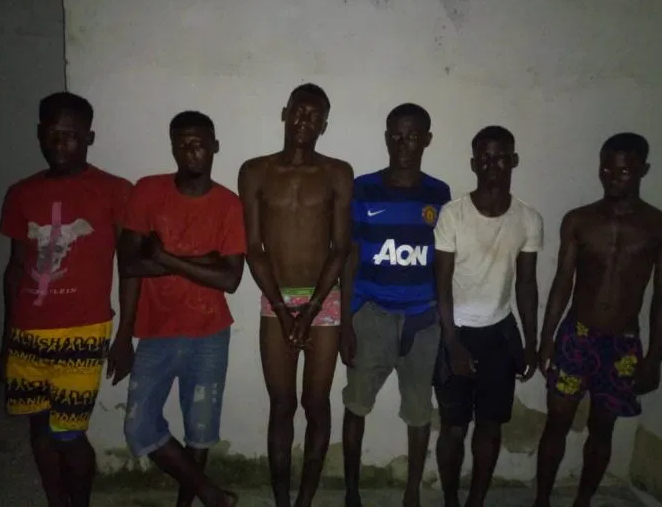 Lagos State Police Command says it has arrested six members of a dreaded cult group, Aiye Confraternity in Lagos, Southwest Nigeria. The cultists were allegedly responsible for the killing on one Fashola in Bariga. Police Public Relations Officer, Bala Elkana disclosed that operatives of Operation Crush had on Saturday at about 8:15pm arrested one Fatai Nofui aka Itape, of No 12 Ago Owu Street, Bariga, age 28 and one Qudus Kazeem aka Bobo of No 14 Tape Street, Bariga. He said the suspects were arrested at Ebute Bariga following a sustained monitoring. They are members of Aiye confraternity with allegiance to one Mohammed, alias Obama as their leader in Bariga. The gang is responsible for series of violent attacks, armed robbery and murder in Bariga and environs. They are on Police wanted list for the murder of one Fashola on 3/11/2019 at Pedro area. Exhibits recovered from them include: an axe, a HTC phone, one Nokia, and one Intel phone they snatched from one Amusa Bukola of No 34 Odundi street Baroga. Investigation led to the arrest of four other members of the gang namely: Muiyis Saraki, alias Bosingwa, age 23; Lucky Sunday, aged 2; David Okpa, alias na god aged 29 and Taye Balogun, alias Gbalagbala 24, Elkana said. He said investigation was ongoing and that the suspects will be charged to court.