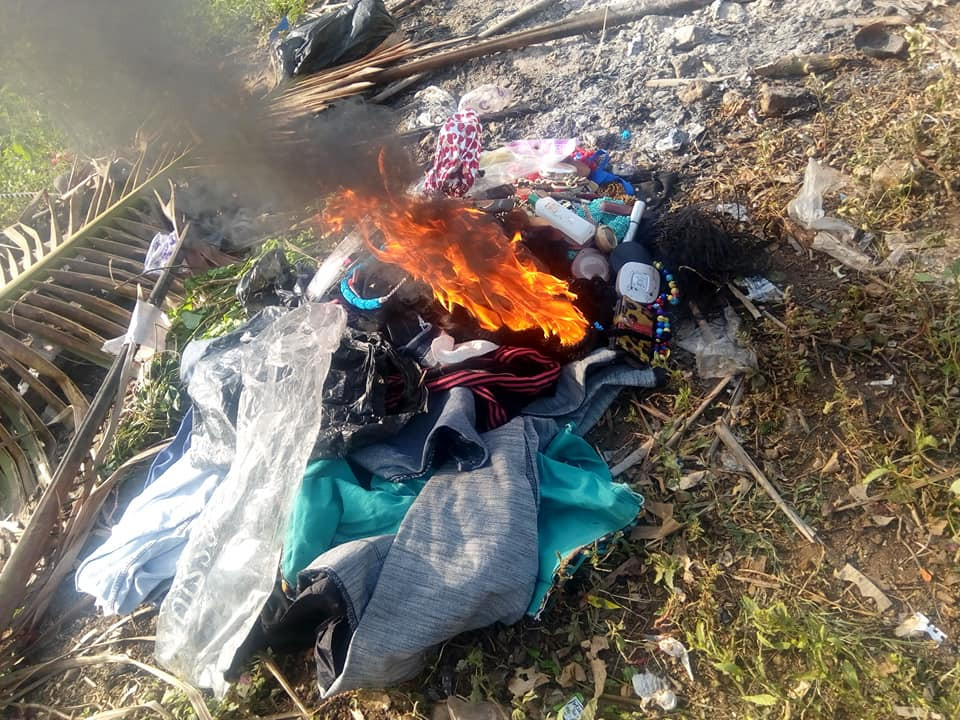 Nigerian lady burns her wigs, makeup kit and clothes after giving her life lindaikejisblog
