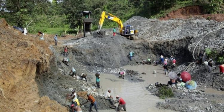 Six dead and many injured in collapsed mining pit in Jos