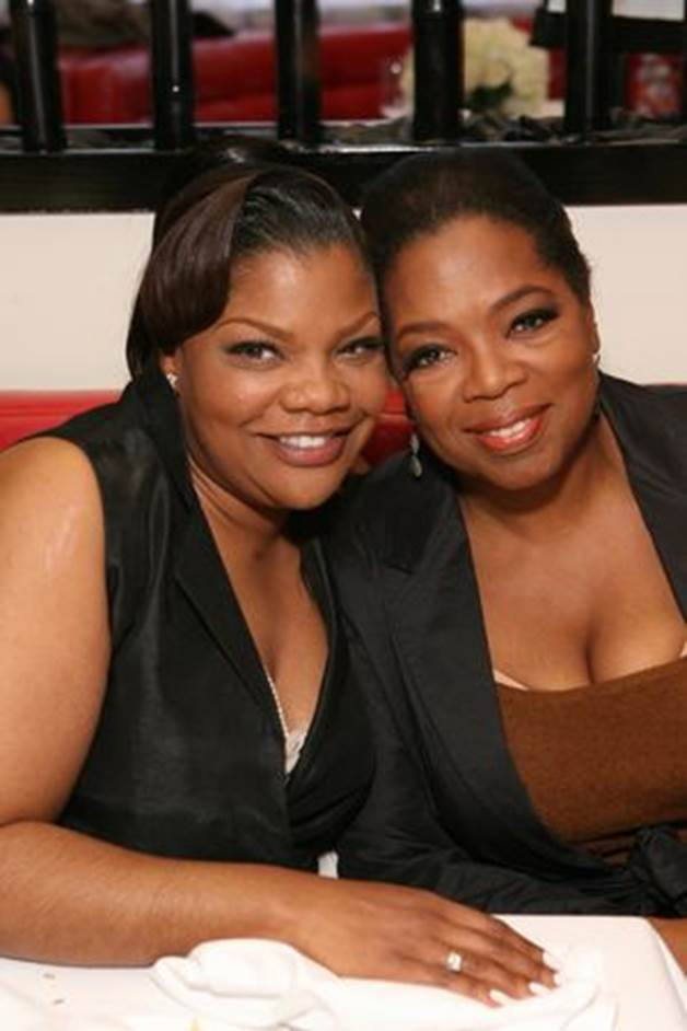 Actress Mo'Nique calls out Oprah Winfrey for being less involved with Harvey Weinstein accusers