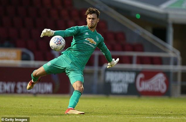 Manchester United goalkeeper banned for biting an opponent