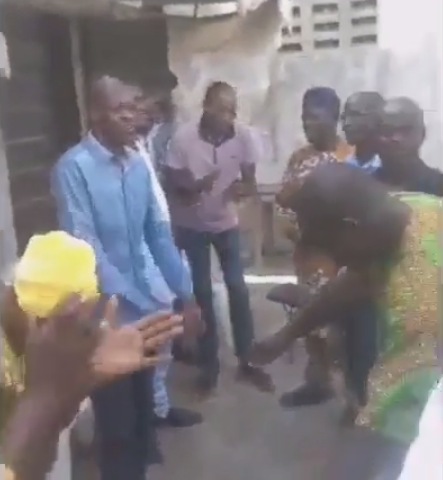 """Coronavirus, don't branch my house"" Ekiti Parapo Association of Lagos State members pray together as they defy social distancing directive (video), All9ja"