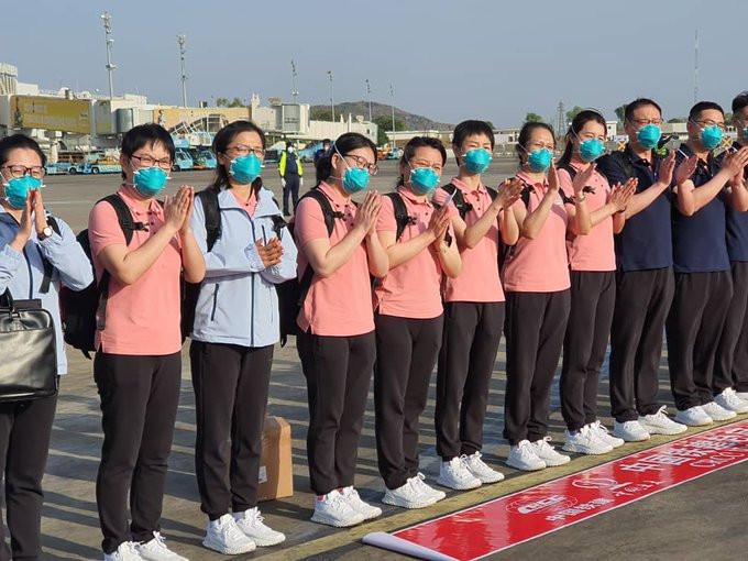 15 Chinese doctors arrive Nigeria despite protest from Nigerian doctors lindaikejisblog 1