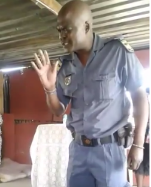 Pastor prays before arresting Pastor who defied lockdown order lindaikejisblog
