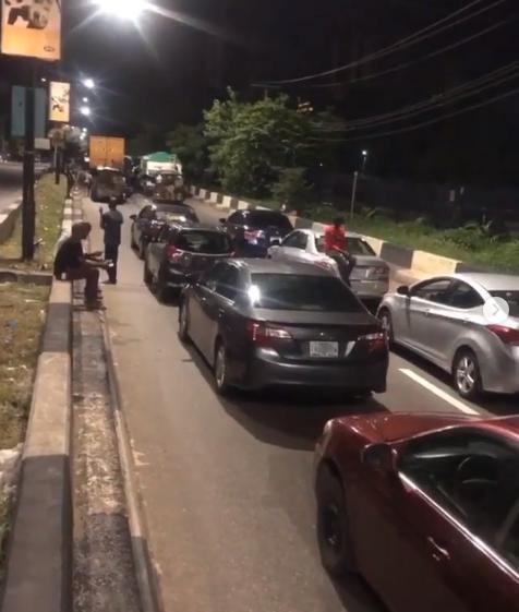 Motorists spend the night at Osborne Road in Ikoyi for violating curfew order in Lagos lindaikejisblog