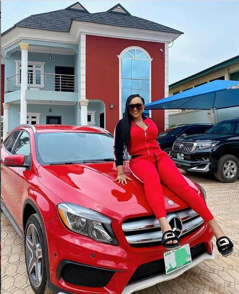 Actress Mercy Aigbe buys a new Mercedes Benz lindaikejisblog