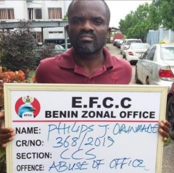 Staff of First Bank allegedly caught stealing N18.9 million is arrested by EFCC, All9ja