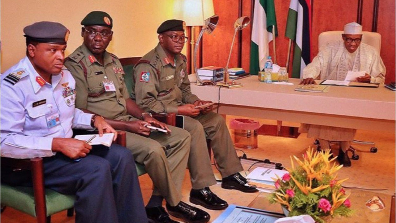 Insecurity: President Buhari in a closed door meeting with Service Chiefs, All9ja