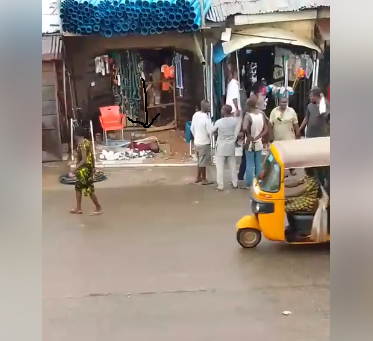 Nigerian lady narrates how Nigerians refused coming near a man who slumped at a shop in Abuja over fear of contracting Coronavirus lindaikejisblog