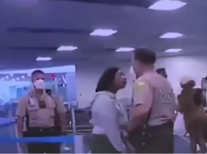 White Maimi police officer relieved from duty for punching a black woman at Miami Airport (video), All9ja